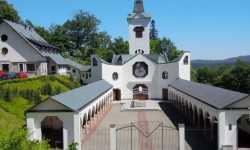 Poutní kostel Panny Marie Pomocné