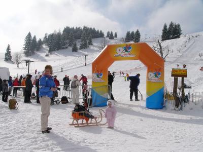 Na lyže, snowboardy a boby