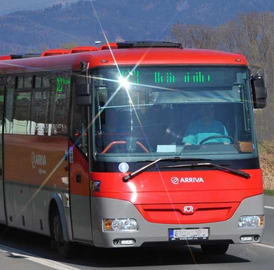 Autobusová doprava po Jeseníkách s výhodnou celodenní jízdenkou za stokorunu.