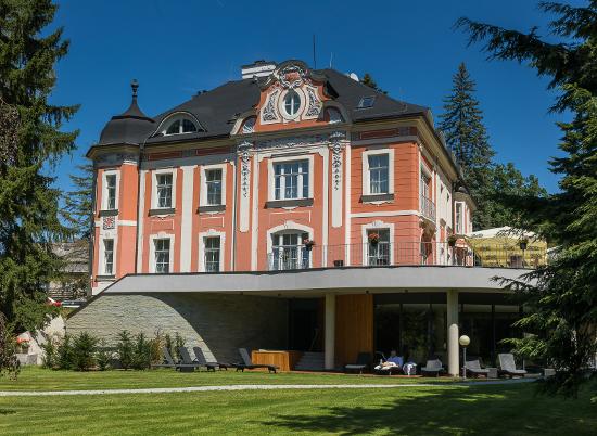 Odpočiňte si v neobarokní vile Regenhart